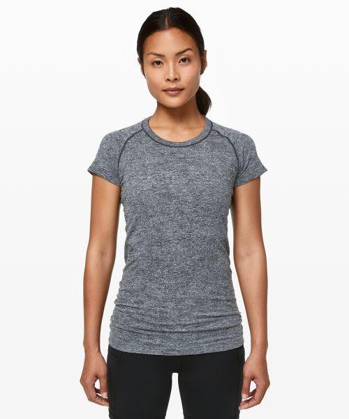 Swiftly Tech 女士运动圆领短袖 T 恤