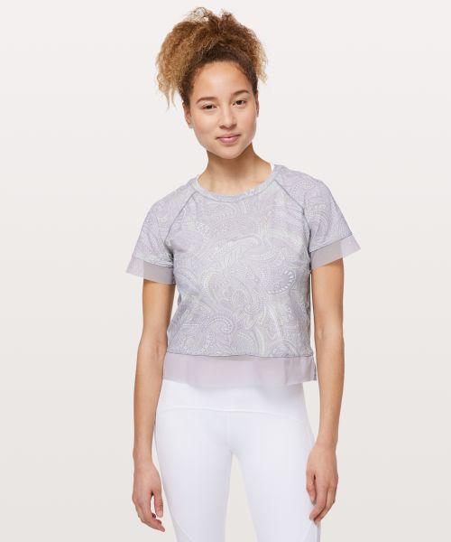 Stripe in Stride 女士运动短袖 T 恤