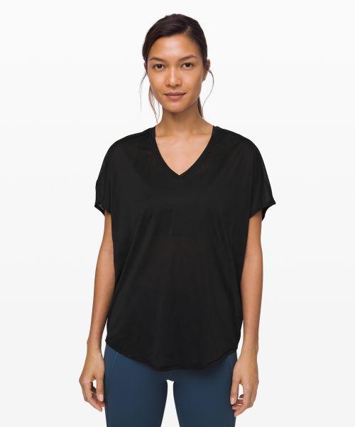 Devout 女士运动短袖 T 恤