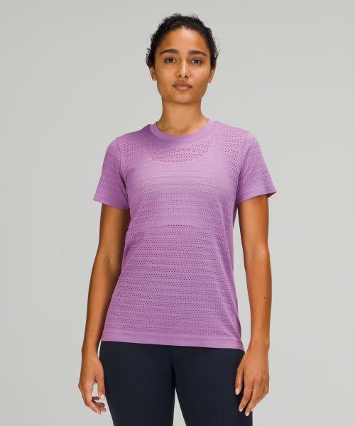 Swiftly Breathe 女士运动短袖 T 恤