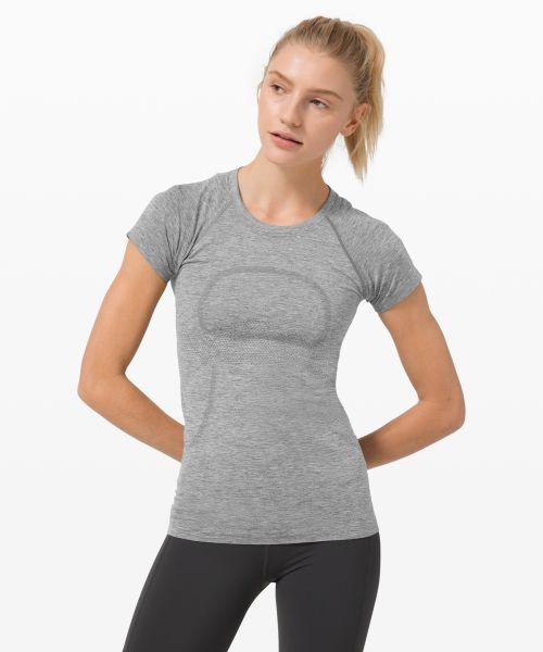 Swiftly Tech 女士运动短袖 T 恤 2.0